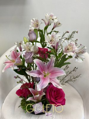 wise and bold flower arrangments